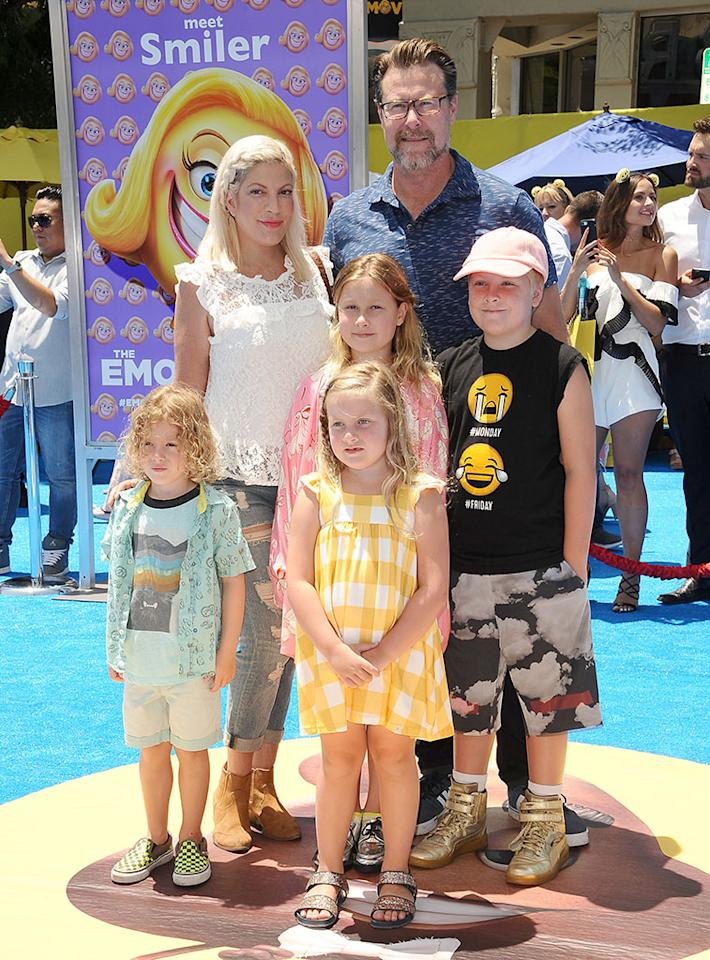 <p>Tori Spelling hearts showing off her kids on the red carpet. The <em>Beverly Hills, 90210</em> alum and hubby Dean McDermott left baby Beau at home, but rounded up their other four kids — Finn, Liam, Stella, and Hattie — for a day at the movies, VIP style. (Photo: Jason LaVeris/FilmMagic) </p>
