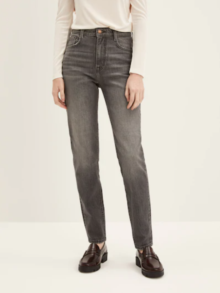 The Kim Comfort Slim Jean. Image via Frank and Oak.