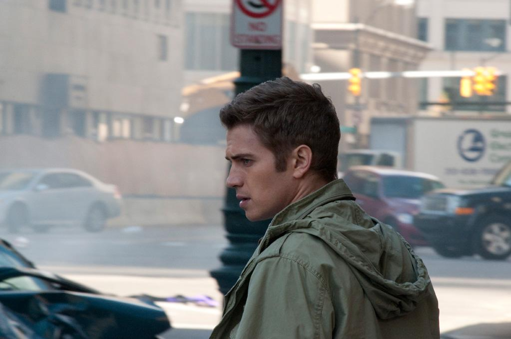 "<a href=""http://movies.yahoo.com/movie/contributor/1800421140"">Hayden Christensen</a> in Magnolia Pictures' <a href=""http://movies.yahoo.com/movie/1810120976/info"">Vanishing on 7th Street</a> - 2011"