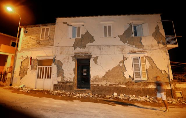 <p>A damaged house is seen after an earthquake hit the island of Ischia, off the coast of Naples, Italy, Aug. 22, 2017. (Photo: Ciro De Luca/Reuters) </p>