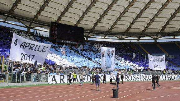 "​Lazio's Ultras have released a statement strongly condemning Keita Balde's treatment of the club as the forward continues to hold out for a move to Juventus.  The striker has just one year left on his current deal and is understood to have rejected the chance to extend his stay at the Stadio Olimpico.  ""They're talking with his agent."" Juventus in talks over Keita Balde Diao transfer without Lazio's permission - https://t.co/ltNDntjSbG pic.twitter.com/ZIfiTw6y1C — Squawka News (@SquawkaNews)..."
