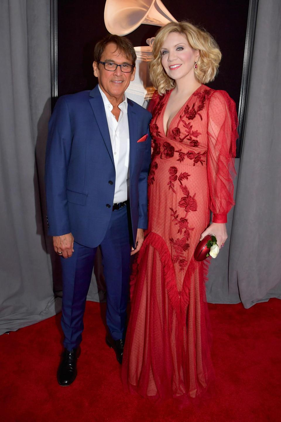"""<h1 class=""""title"""">Ron Browning and Alison Krauss in Sachin & Babi</h1><cite class=""""credit"""">Photo: Getty Images</cite>"""