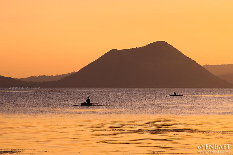 Sunset on Taal Lake. Most people see Taal Volcano from Tagaytay City in Cavite, a popular tourist destination. (Yen Baet)