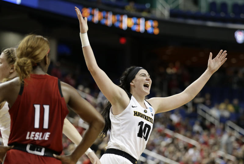 Seeded Baylor routs Iowa 85-53 to cruise to Final Four