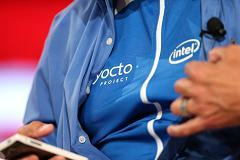 Intel shows off next wearable...the shirt