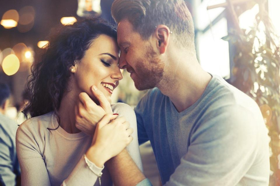 couple in love, commitment, 20 phrases to say to her