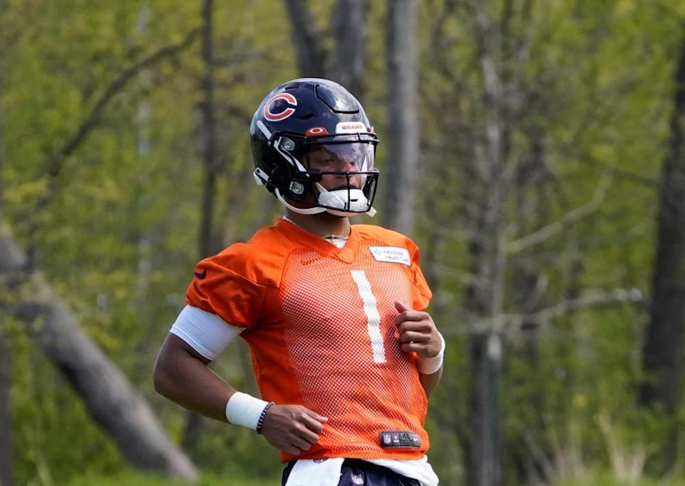 LOOK: Justin Fields projected to be one of top NFL rookie performers