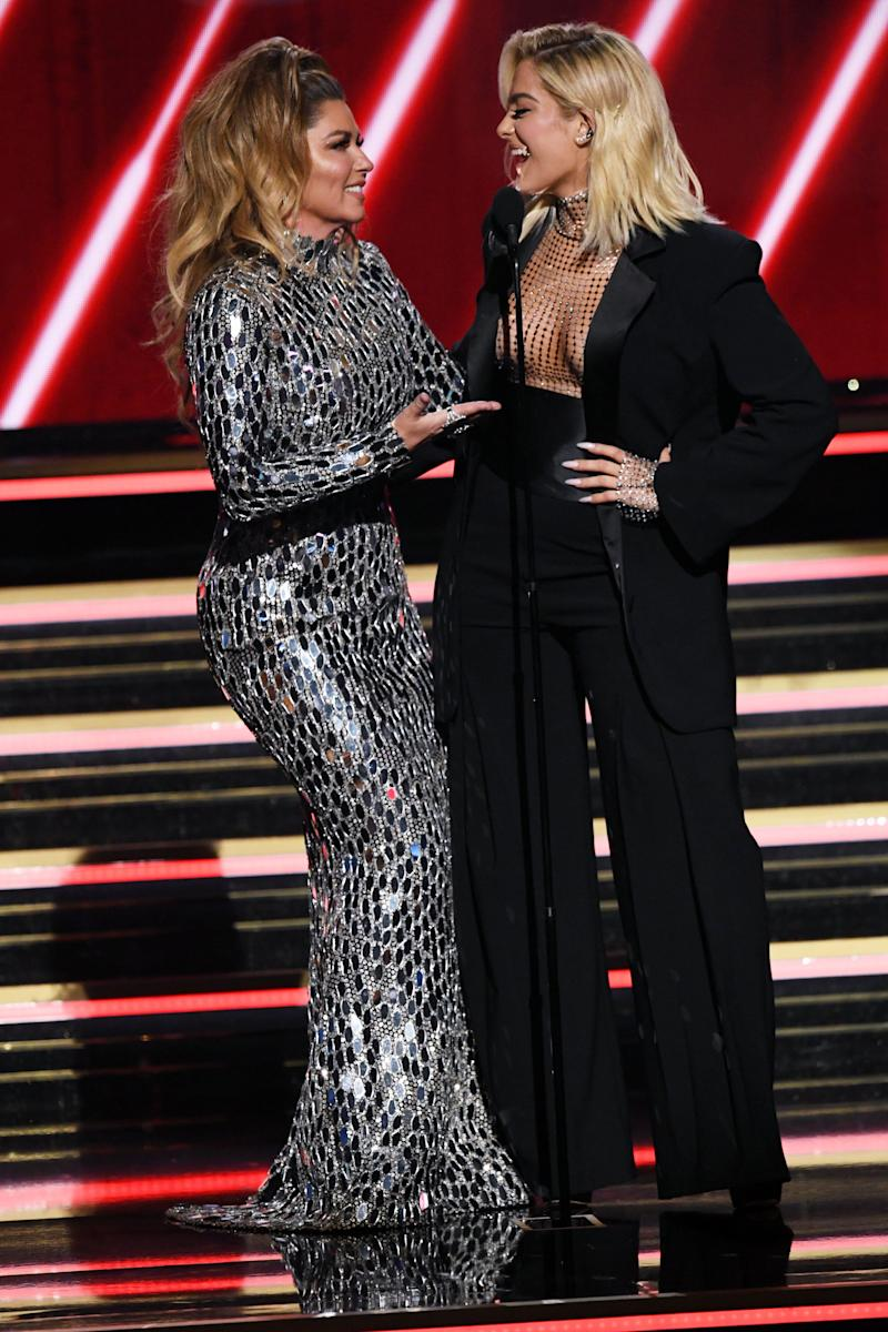 Shania Twain and Bebe Rexha presenting the Country Duo or Group Performance award at the 2020 Grammy Awards. (Photo: Kevin Winter via Getty Images)