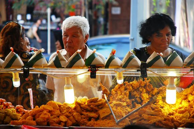 1.All sorts of food for all people at the Ramadan bazaar.