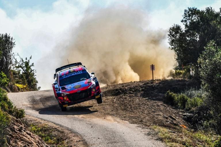 Thierry Neuville steers his way to the lead in the Safari Rally after a challenging day which saw several rivals fall by the wayside