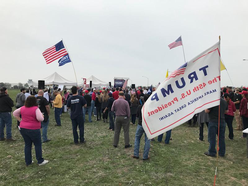 A pro-Trump rally in Otay Mesa near the wall prototypes the president visited Tuesday.