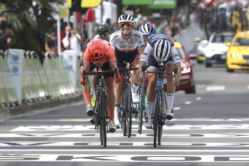 Former world champion Deignan wins La Course women's race