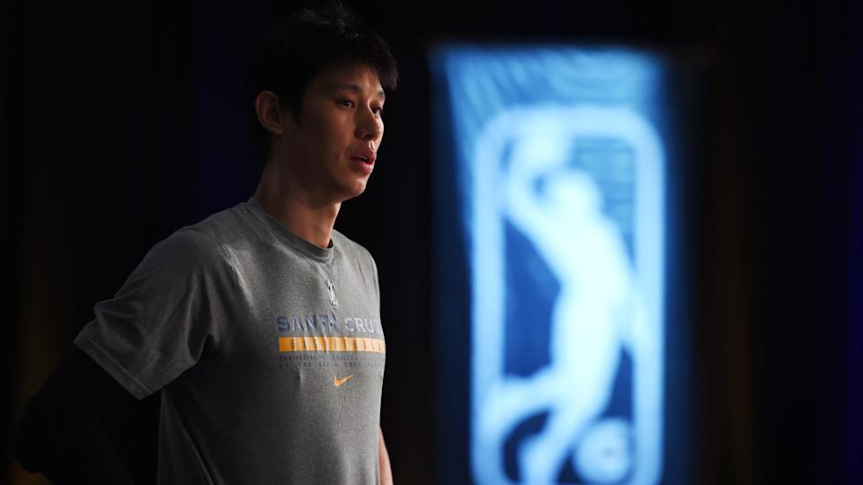 ORLANDO, FL - FEBRUARY 28: Jeremy Lin #7 of the Santa Cruz Warriors looks on before the game against the Austin Spurs on February 28, 2021 at AdventHealth Arena in Orlando, Florida. NOTE TO USER: User expressly acknowledges and agrees that, by downloading and/or using this photograph, user is consenting to the terms and conditions of the Getty Images License Agreement. Mandatory Copyright Notice: Copyright 2021 NBAE (Photo by Juan Ocampo/NBAE via Getty Images)