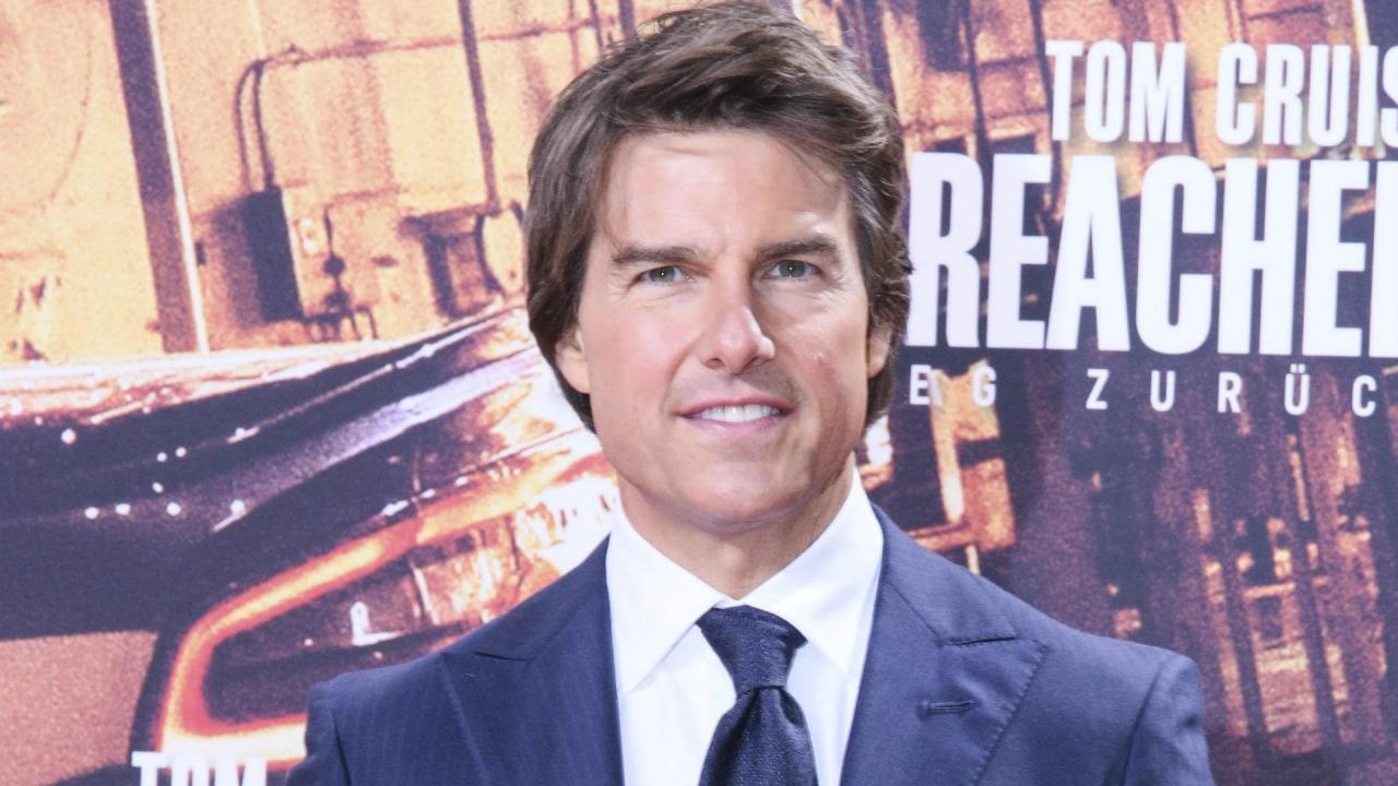 Tom Cruise has a history of being linked tohis co-stars.Is it a rumor or does he have a thing for leading ladies?
