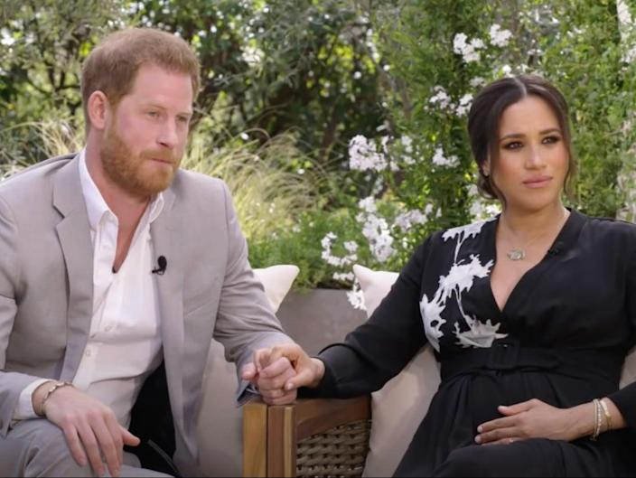 Royal experts urge Meghan and Harry to postpone interview  (CBS)