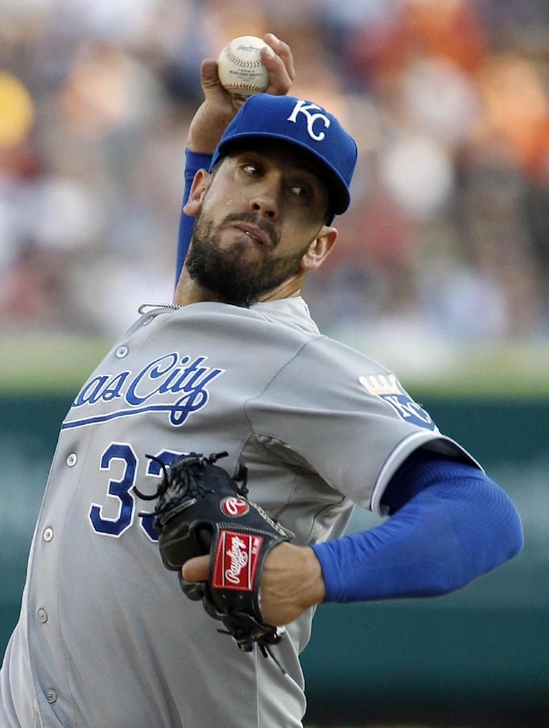 Royals sweep pair from Tigers