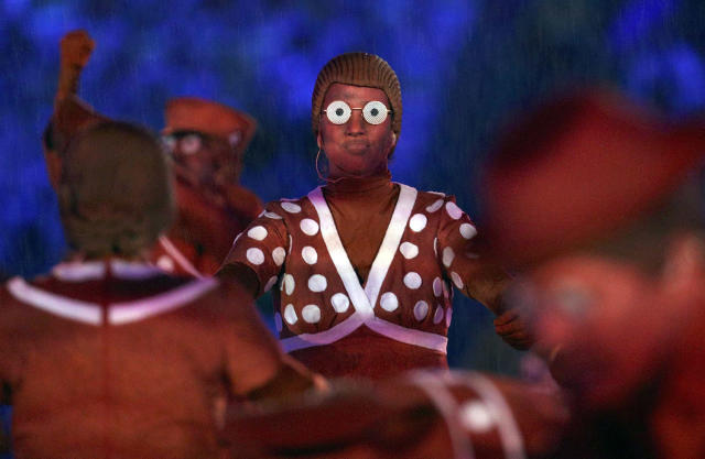 <p>Performers take part in the closing ceremony for the 2016 Rio Olympics. (REUTERS/Stoyan Nenov) </p>