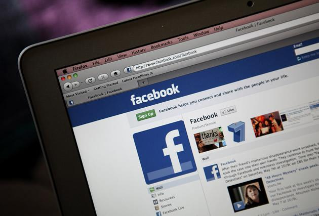 The confusing privacy settings on Facebook makes it hard for people to secure their personal information online. (Getty Images)