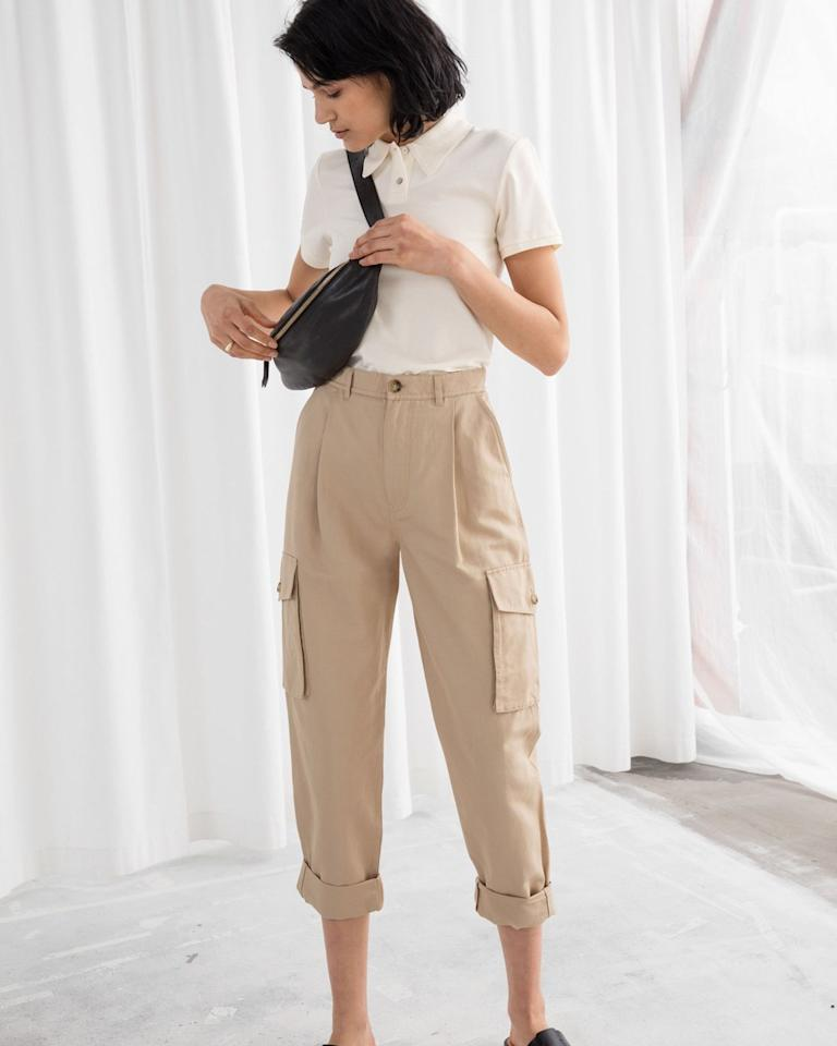 "$89, & Other Stories. <a href=""https://www.stories.com/en_usd/clothing/trousers/product.cotton-twill-cargo-pants-beige.0707629001.html"">Get it now!</a>"