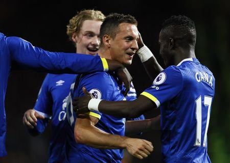 Britain Football Soccer - Manchester United v Everton - Premier League - Old Trafford - 4/4/17 Everton's Phil Jagielka celebrates with teammates after scoring their first goal  Action Images via Reuters / Jason Cairnduff Livepic
