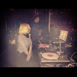 Sia Ditches Las Vegas DJ Gig Mid-Set, Claims Club Manager 'Threatened' Her