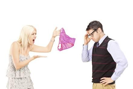 7 signs he's a cheater