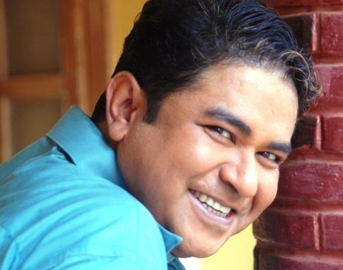 """Television industry lost another actor with the death of TV actor Ashiesh Roy. Known for his work in the serial Sasural Simar Ka, Roy passed away due to kidney failure on November 24. The 55-year-old actor, who had been undergoing dialysis for a kidney ailment, had tweeted in May requesting for financial assistance. Roy has worked in serials such as Baa, Bahu Aur Baby, apart from films such as Home Delivery.<br><em><strong>Image credit: </strong></em><a href=""""https://twitter.com/ashieshroy?lang=en"""" rel=""""nofollow noopener"""" target=""""_blank"""" data-ylk=""""slk:Twitter"""" class=""""link rapid-noclick-resp""""><em>Twitter</em></a>"""