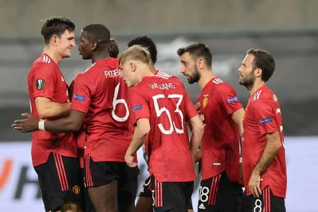 89133350_Manchester United's players react during the UEFA Europa League quarter-final football.jpg