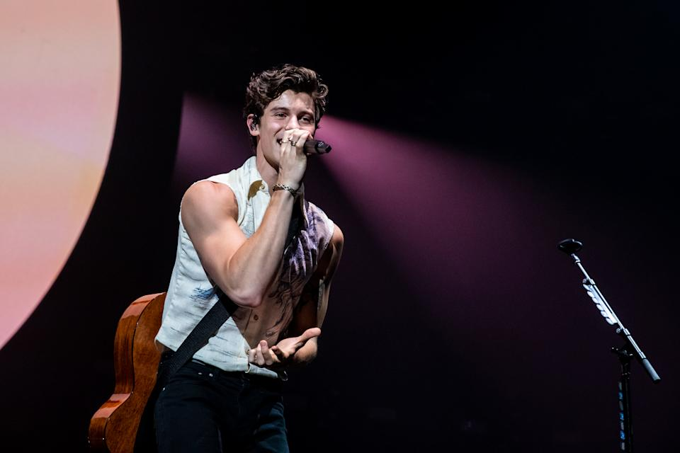 Shawn Mendes breaking hearts everywhere. (PHOTO: 19sixtyfive)