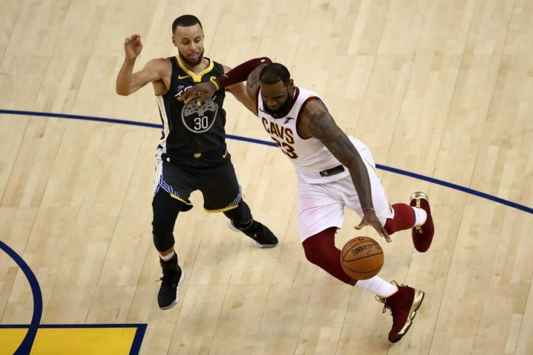 Lebron James, Curry express worry after player test Coronavirus