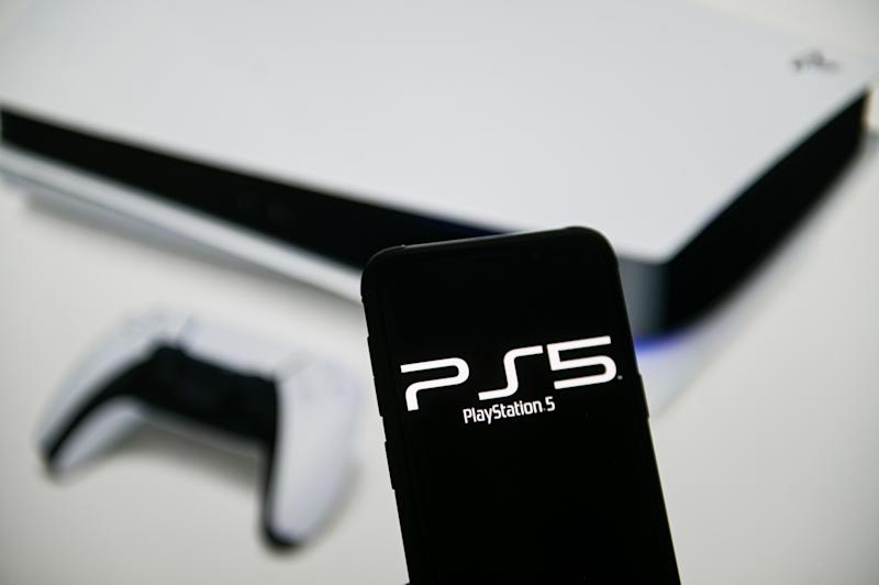POLAND - 2020/06/15: In this photo illustration a PlayStation 5 logo seen displayed on a smartphone. (Photo Illustration by Mateusz Slodkowski/SOPA Images/LightRocket via Getty Images)