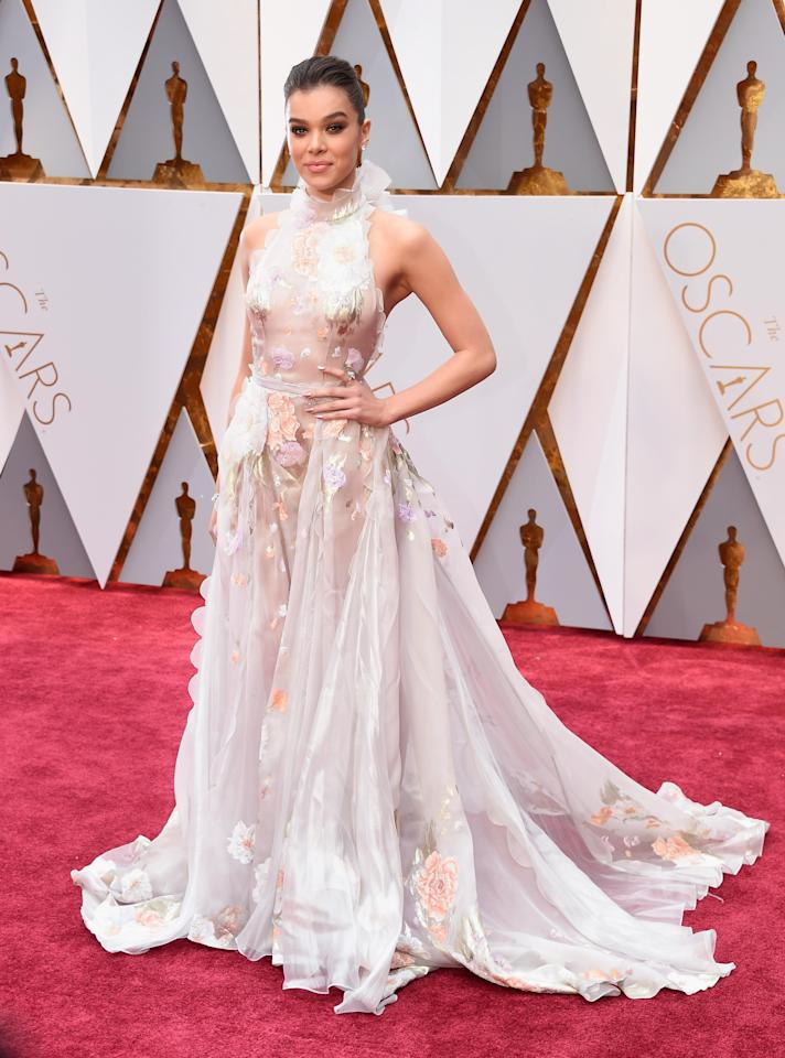 <p>The 90th Academy Awards is finally upon us, so we thought it was only fitting to take a look at the most glam and best dressed celebrities who have attended Hollywood's night of nights. Hailee Steinfield wore a stunning Ralph & Russo couture gown in 2017.</p>