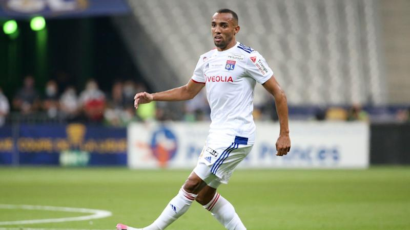 Wolves sign defender Marcal from Lyon