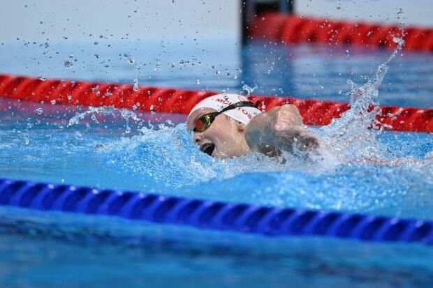 Canada's Summer McIntosh won the women's 400-metre freestyle final and placed sixth in the women's 4x100-metre relay for the Toronto Titans in International Swimming League competition in Naples, Italy on Thursday. (Oli Scarff/AFP via Getty Images/File - image credit)