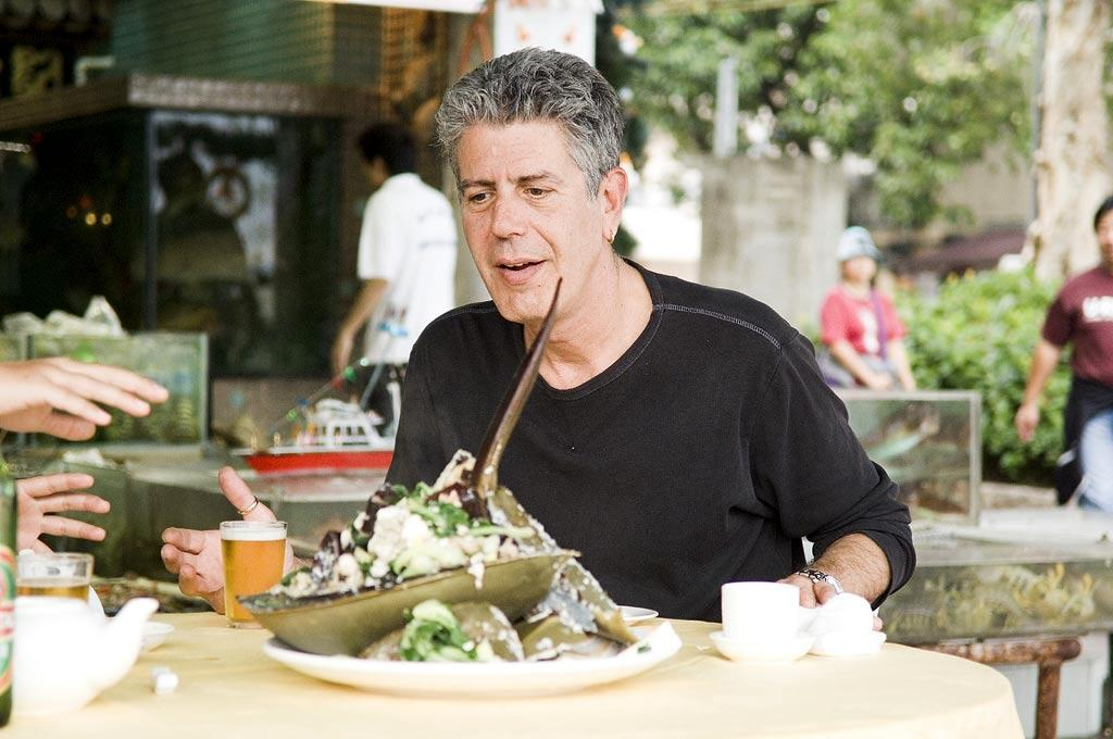 Anthony Bourdain enjoys a meal at Chuen Kee Seafood Resturant in Sai Kung area of New Territories, Hong Kong as seen on Anthony Bourdain: No Reservations.