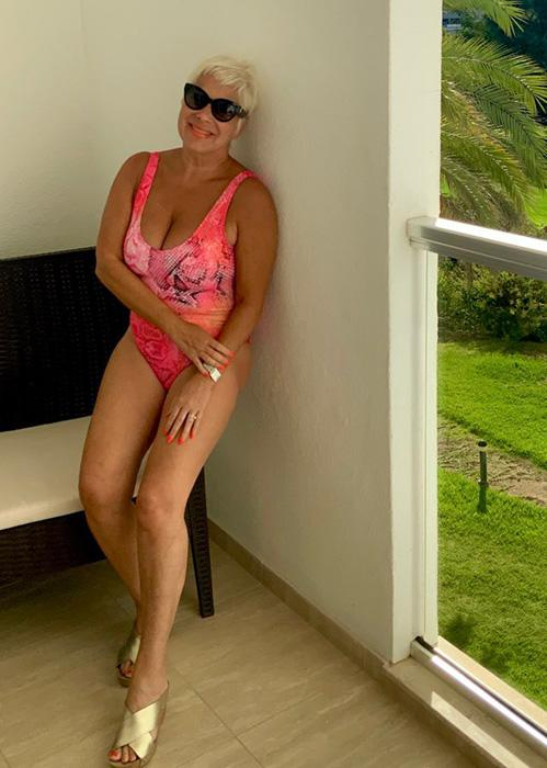 denise-welch-swimsuit