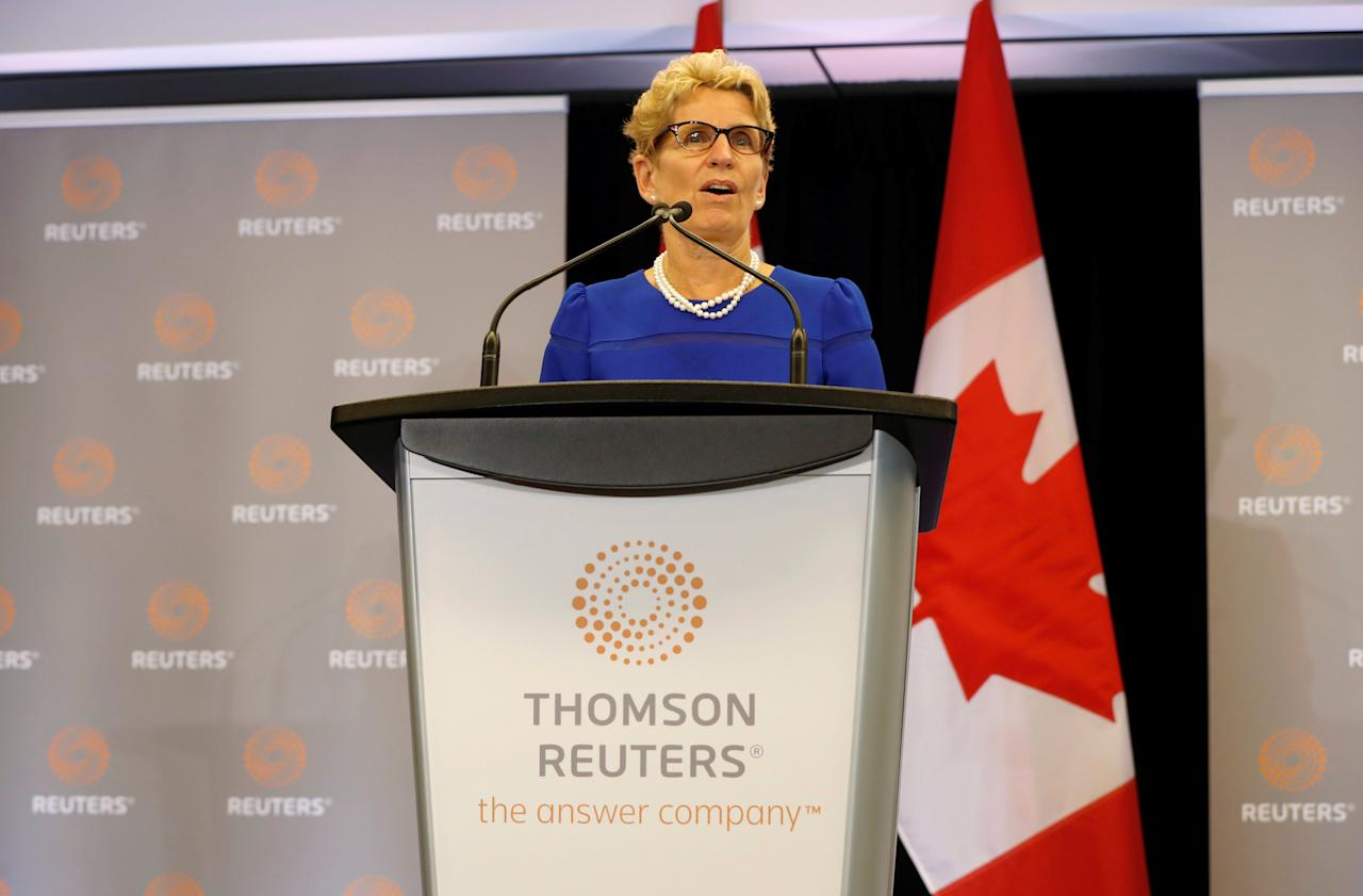 Ontario Premier Kathleen Wynne speaks during a visit to the Thomson Reuters Executive office in Toronto, Ontario, Canada October 7, 2016. REUTERS/Mark Blinch