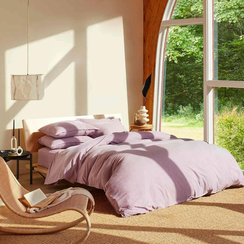 """<a href=""""https://www.glamour.com/gallery/best-bed-sheets?mbid=synd_yahoo_rss"""" rel=""""nofollow noopener"""" target=""""_blank"""" data-ylk=""""slk:Bedsheets"""" class=""""link rapid-noclick-resp"""">Bedsheets</a> are a staple on every couple's wedding registry, but instead of going for classic white, opt for something dreamier, like this cashmere lavender set from Brooklinen. $279, Brooklinen. <a href=""""https://www.brooklinen.com/products/heathered-cashmere-hardcore-sheet-bundle?color1=charcoal"""" rel=""""nofollow noopener"""" target=""""_blank"""" data-ylk=""""slk:Get it now!"""" class=""""link rapid-noclick-resp"""">Get it now!</a>"""
