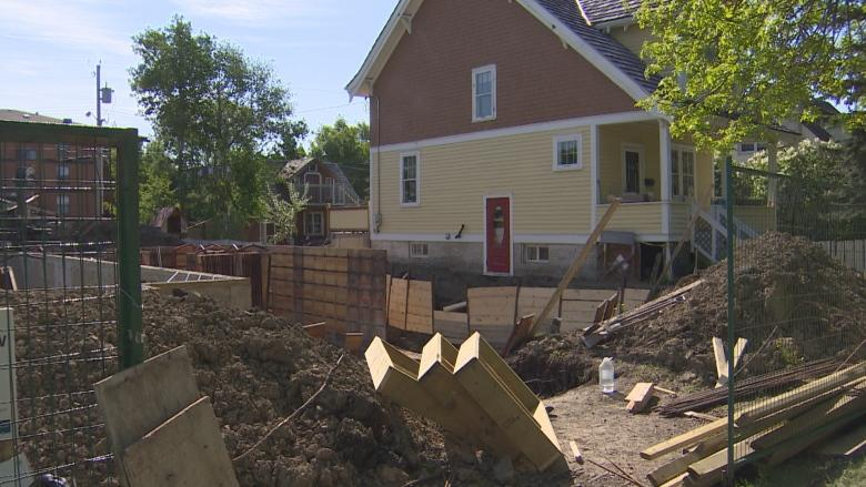 City looks to clarify rules on who pays for property damage from construction work