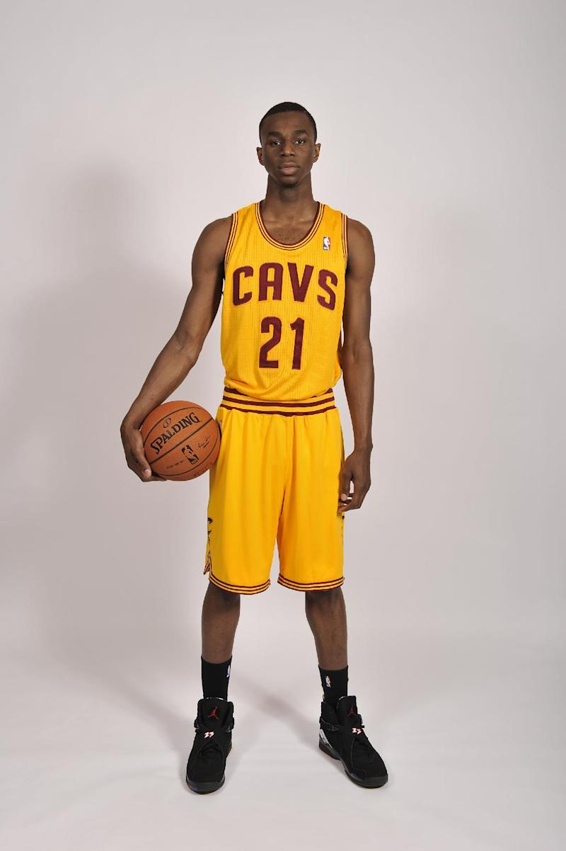 Cavaliers' Wiggins inks deal to remain with adidas