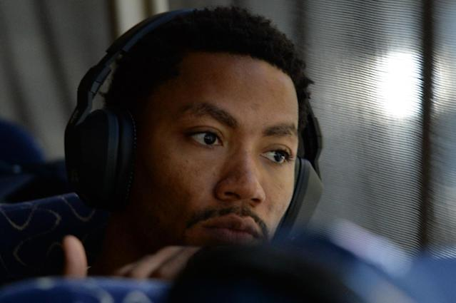 LAS VEGAS, NV - JULY 31: Derrick Rose #41 of the USA Basketball Men's National Team looks out the window on the way to practice on July 31, 2014 in Las Vegas, Nevada. (Photo by Andrew D. Bernstein/NBAE via Getty Images)