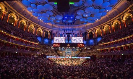 The BBC Symphony Orchestra performs at the last night of the BBC Proms festival of classical music at the Royal Albert Hall in London, Britain September 12, 2015. REUTERS/Neil Hall