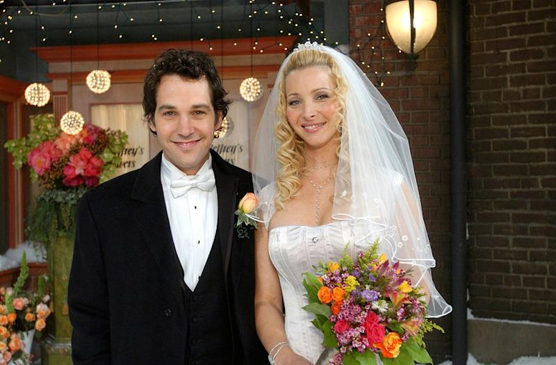 "Mike Hannigan (Paul Rudd) and Phoebe Buffay (Lisa Kudrow) tied the knot in the tenth and final season of ""Friends."" (Photo: NBC via Getty Images)"