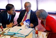 Britain's Prime Minister Theresa May, European Commission President Jean-Claude Juncker and Netherlands' Prime Minister Mark Rutte attend the European Union leaders informal summit in Salzburg, Austria, September 20, 2018. REUTERS/Leonhard Foeger