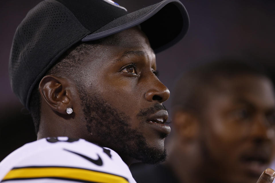 Pittsburgh Steelers wide receiver Antonio Brown apologized on Wednesday after sending a threatening tweet to an ESPN reporter last week. (Getty Images)