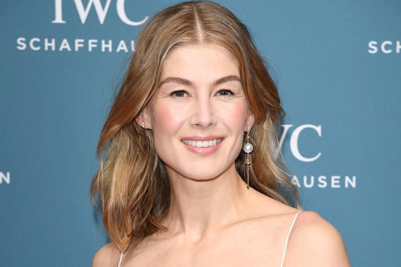 Rosamund Pike to star as Moiraine in Amazon's The Wheel of Time series