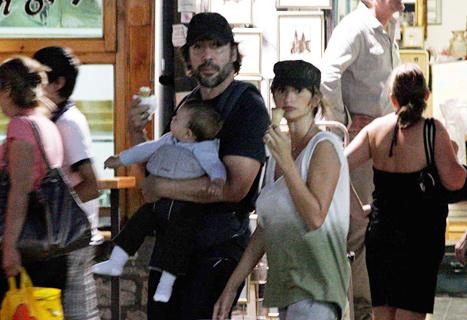 NEW PIC: Penelope Cruz, Javier Bardem Take Baby Leo for Ice Cream
