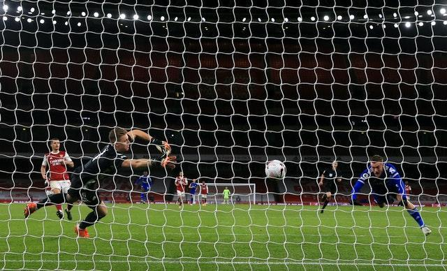 Jamie Vardy headed home his 11th goal against Arsenal to earn Leicester victory