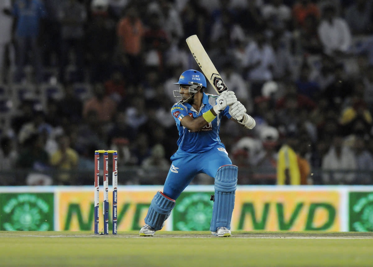Robin Uthappa of Pune Warriors bats during match 29 of the Pepsi Indian Premier League between The Kings XI Punjab and the Pune Warriors held at the PCA Stadium, Mohali, India  on the 21st April 2013. (BCCI)
