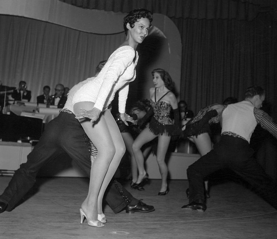 <p>Dorothy Dandridge dances in a sequin leotard during her Las Vegas nightclub debut performance at the Riviera Hotel. </p>